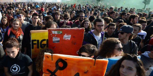 PHOTOS. VIDÉOS. Manifestations anti-austérité en Europe, grève générale en Espagne et au Portugal, heurts...