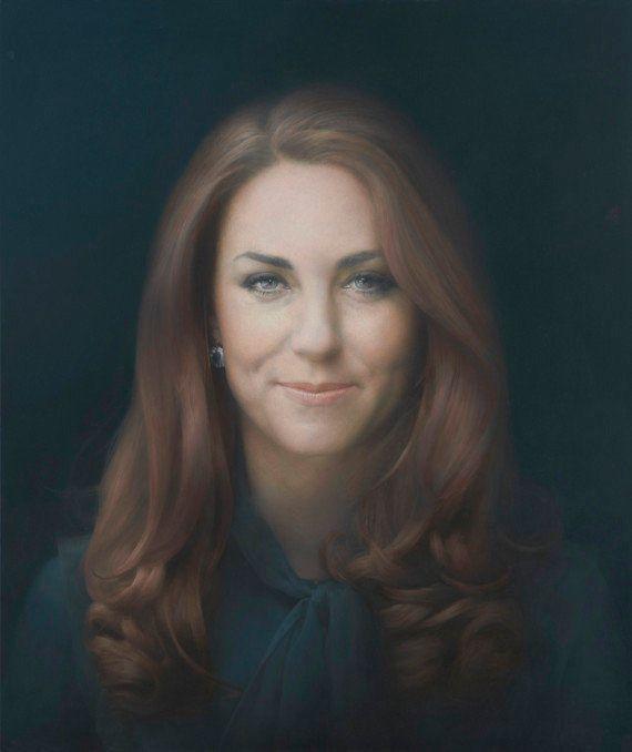 Le premier portrait officiel de Kate Middleton dévoilé à Londres à la National Portrait