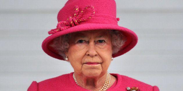 VIDÉO. Grande-Bretagne: la reine Elizabeth II hospitalisée pour une gastro-entérite est sortie de