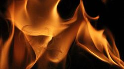 Comment le feu brûle dans