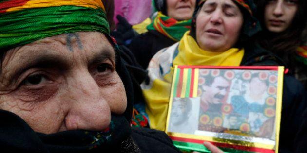 Erdogan exhorte la France d'élucider le meurtre de trois militantes kurdes à Paris et fustige François