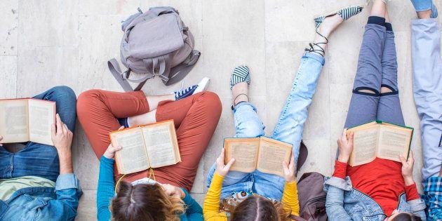 Pour Noël, l'un de ces 8 livres pourraient bien inciter vos adolescents à la