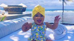 Le mini-turban, l'accessoire mode sur la tête des bébés