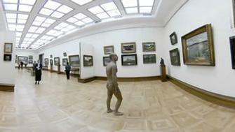 A naked man walks in Tretyakov Gallery in Moscow, Russia March 20, 2019 in this still image obtained from a social media video filmed on 360 Camera on March 21, 2019. VK.COM/MAXTT via REUTERS   ATTENTION EDITORS - THIS IMAGE HAS BEEN SUPPLIED BY A THIRD PARTY. MANDATORY CREDIT. NO RESALES. NO ARCHIVES