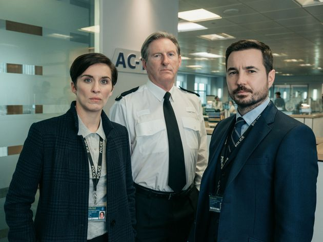Martin Compston Proves Theres Still Time For Fun On The Line Of Duty Set With Hilarious Vicky McClure Prank