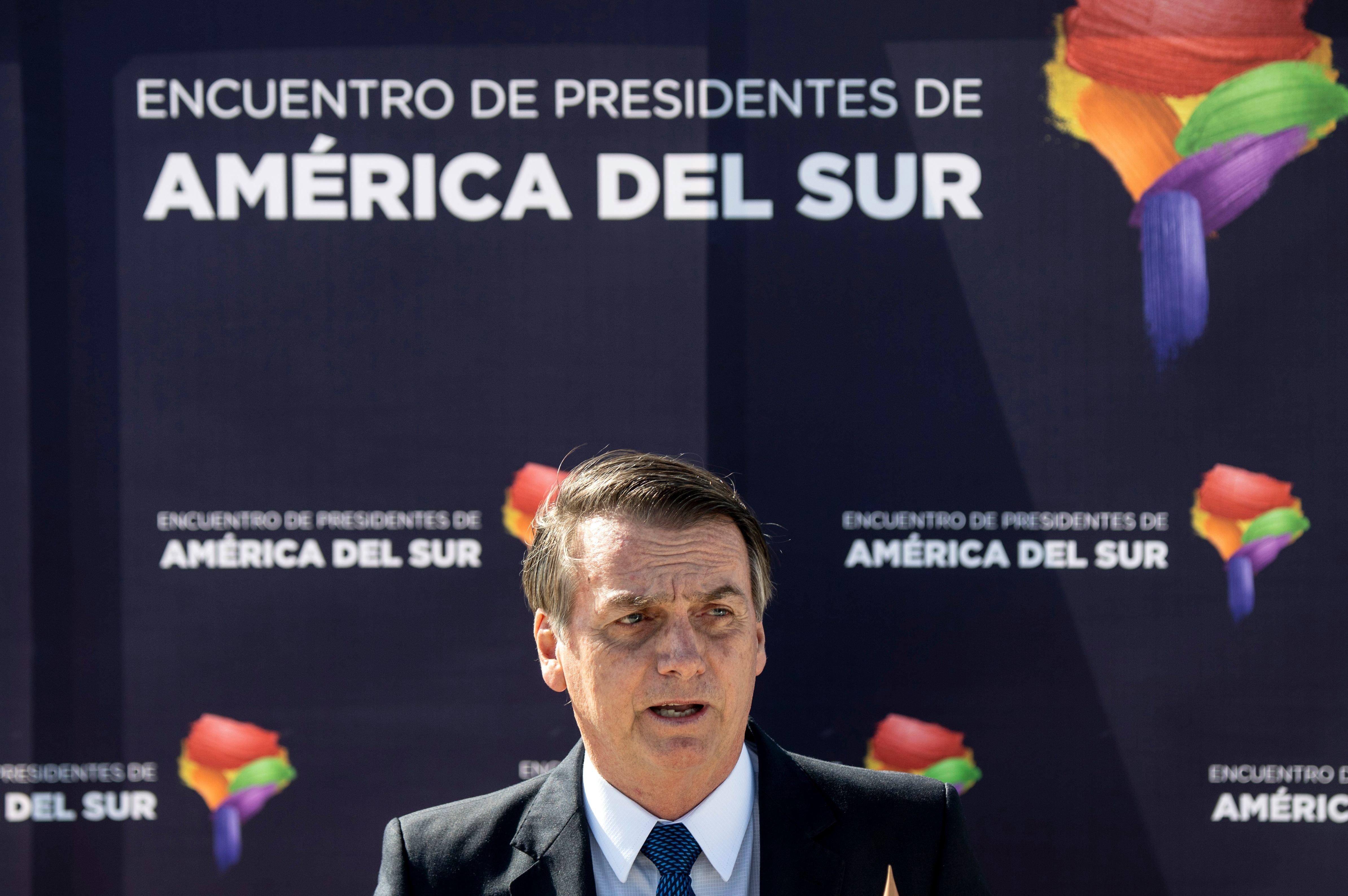 Ao comentar prisão de Temer, Bolsonaro diz que 'justiça nasceu para
