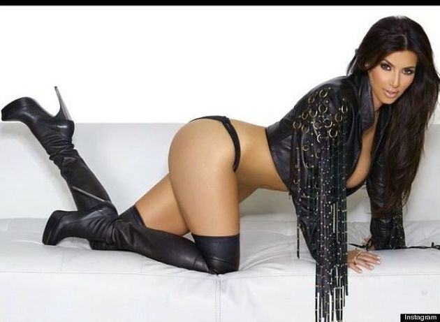 Kim Kardashian nue (ou presque) pour remercier ses 2 millions de followers sur Instagram -
