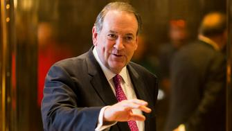 Former Arkansas governor Mike Huckabee arrives at Trump Tower in New York City on November 18, 2016 in New York. / AFP / DOMINICK REUTER        (Photo credit should read DOMINICK REUTER/AFP/Getty Images)