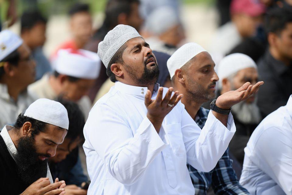 뉴질랜드 전역에서 테러 희생자들을 기리는 '무슬림 기도음'이
