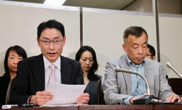 男性の訴訟を担当した永野 靖弁護士(前列左)と、長年支援してきた鈴木 賢