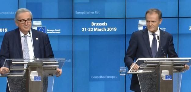 Brexit: Τρεις στιγμές που έκαναν τους Ευρωπαίους να ξεσπάσουν σε