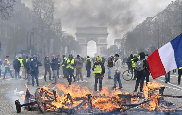 Γαλλία: Απαγόρευσαν στα «κίτρινα γιλέκα» τις διαδηλώσεις στα Ηλύσια