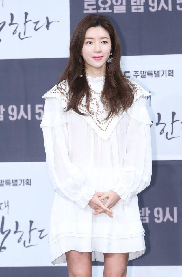 배우 박한별이 참고인 신분으로 경찰 조사를