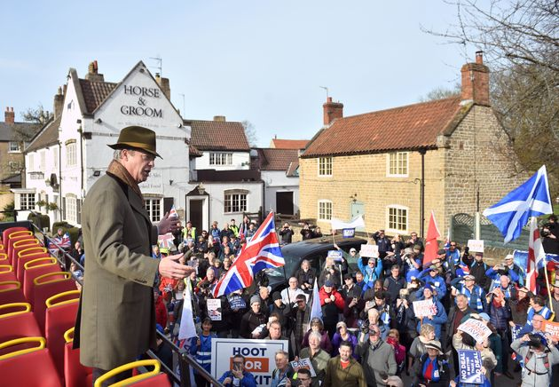 Nigel Farage's Pro-Brexit Demo Draws 200 Protesters On Same Day As People's Vote