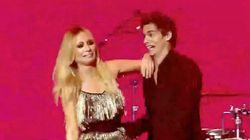 La tremenda metedura de pata de Marta Sánchez durante un concierto de Cadena