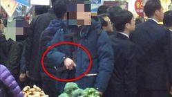 문 대통령 경호원 '기관단총 노출' 논란에 대한 청와대의
