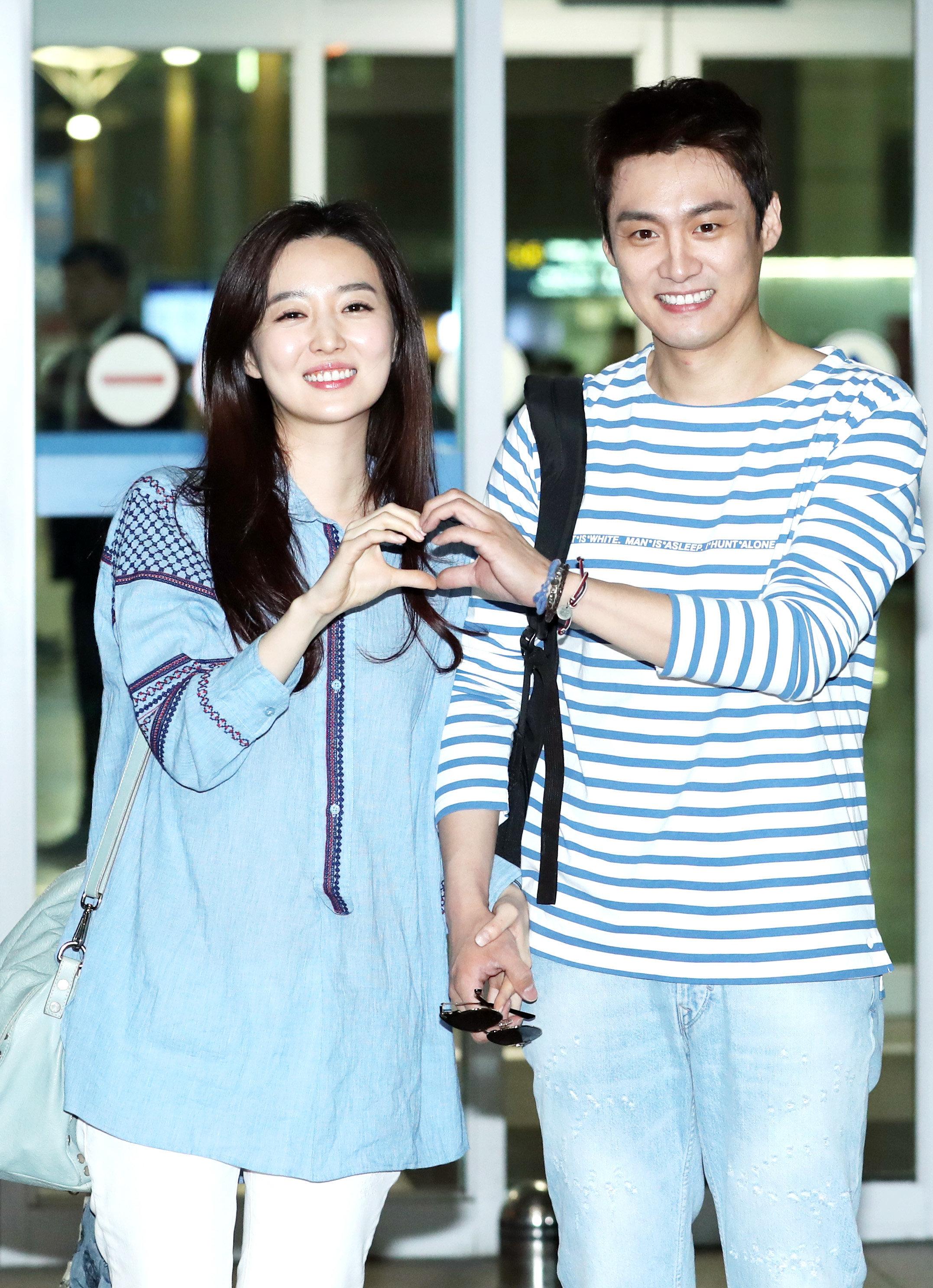 '임신을 축복으로 여기지 못하는 여성'들에 대한 김소영 전 아나운서의 글에 공감이 이어지고