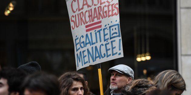 Le prof en grève l'est rarement pour son salaire mais pour ses élèves, qui le