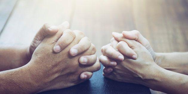 Nous allons nous marier. Comme je suis toujours exclue de ma congrégation, ce sera une cérémonie discrète....