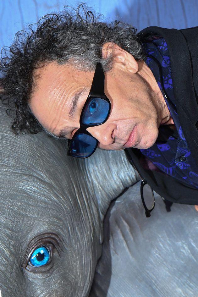Fidèle à lui-même, Tim Burton a préféré faire des câlins à Dumbo plutôt que de se prêter aux jeu des