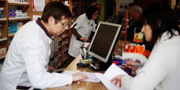 Les députés ont autorisé les pharmaciens à vendre en urgence certains médicaments sans
