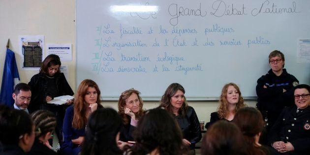 Une étape du Grand Débat National dans une prison de femmes avec la ministre de la Justice Nicole Belloubet...
