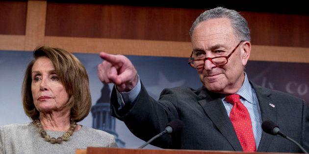 Nancy Pelosi et Chuck Schumer, ici à Washington le 25 janvier, estiment