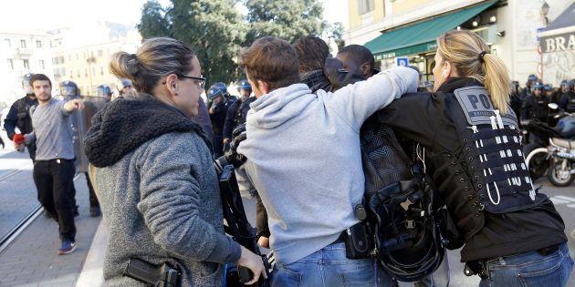 À Nice, des premiers heurts très tôt et une manifestante sérieusement