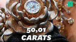 Cette montre a été incrustée de 15.858