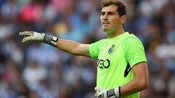Casillas vacila a Sanchís con su famosa