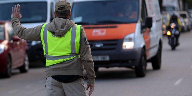 La Guardia Civil incauta documentación del censo del 1-O en la empresa de mensajería