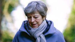 May se reúne con su gabinete para trazar la estrategia del