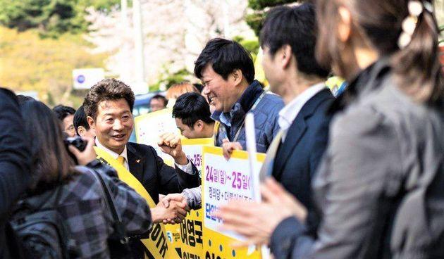 정의당 여영국 후보가 경남 창원 성산의 단일후보로