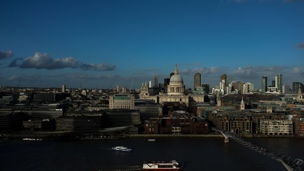 General view of the London's skyline from the top of Tate Modern, London on November 11, 2018. (Photo by Alberto Pezzali/NurPhoto via Getty Images)