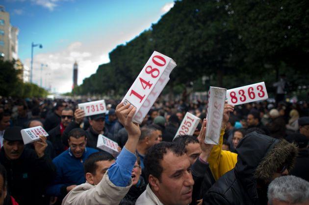 Grève des taxis et des louages: Les chambres syndicales des propriétaires de louages et de taxis relevant...
