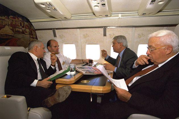 13 χρόνια πίσω... Ο Uzi Arad στο πρωθυπουργικό...