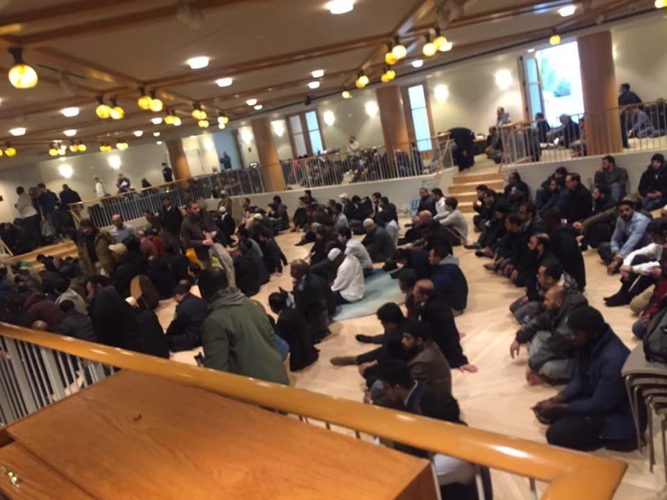 A photo shows Muslims from the Islamic Society of Mid-Manhattan worshipping inside Central Synagogue.