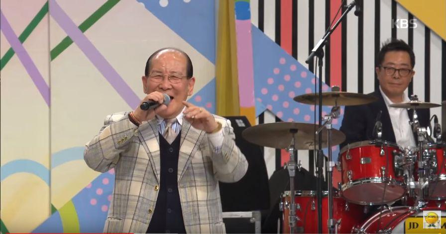 '전국노래자랑' '미쳤어' 할아버지가 평소 즐겨부르는 노래