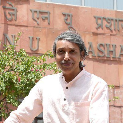 JNU V-C Alleges Hundreds Of Students Forcibly Entered His House, Confined His