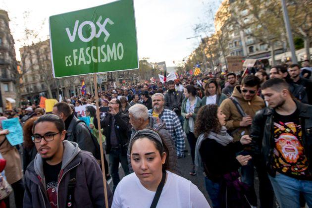 Ισπανία: Το εγκληματικό παρελθόν υποψηφίων του VOX, τους οδηγεί στην