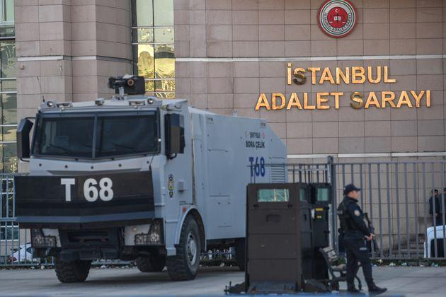 Τουρκία: Ξεκίνησε η δίκη του Μ. Τοπούζ που κατηγορείται για