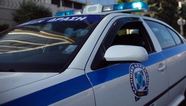 Επεισόδια έξω το δικαστικό μέγαρο της Κορίνθου μεταξύ αστυνομικών και Ρομά μετά το θάνατο επίδοξου