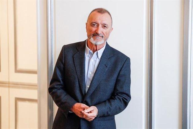 El escritor Arturo Pérez