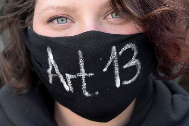 Διαδηλώτρια στην Γερμανία...
