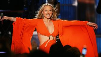NEW YORK - APRIL 9: Mariah Carey performs onstage during a taping for the VH1 Save The Music Foundation benefit concert at the Beacon Theater April 9, 2005 in New York City. (Photo by Scott Gries/Getty Images)
