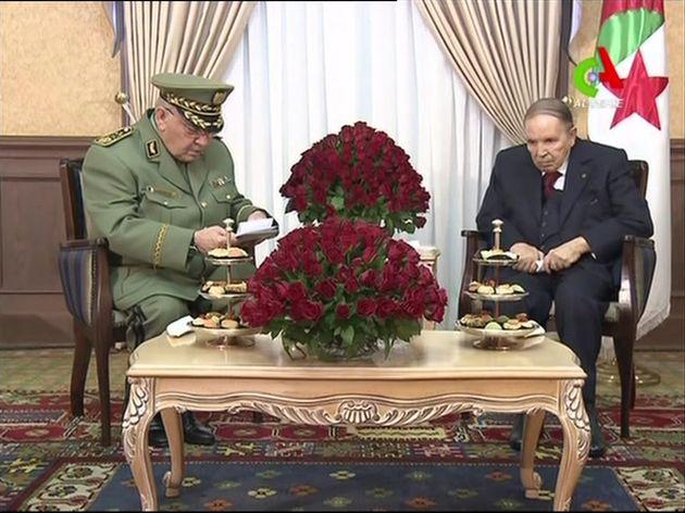 Αλγερία: Ο αρχηγός του στρατού ζητά την αποπομπή του προέδρου