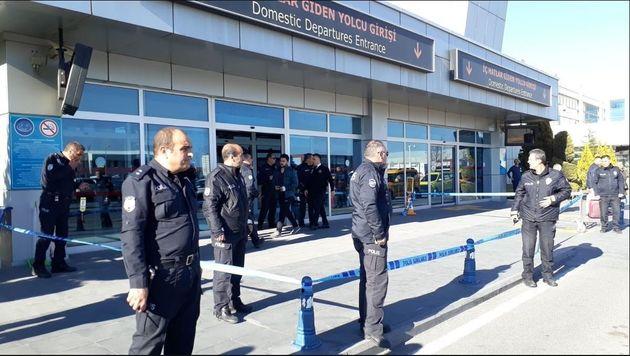 Επεισόδιο με πυροβολισμούς μεταξύ αστυνομικών σε αεροδρόμιο της