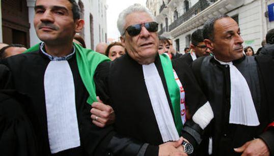 """L'avocat Mustapha Bouchachi: """"L'application de l'article 102 est"""