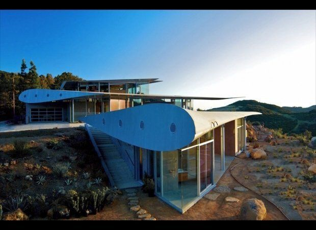 """When the owner of this unique home first came to <a href=""""http://www.studioea.com/"""" target=""""_hplink"""">architect David Hertz </"""