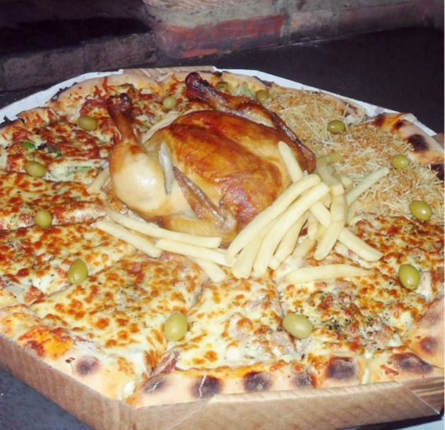 Pizzaria Bate-Papo, no Guarujá, faz sucesso com suas pizzas
